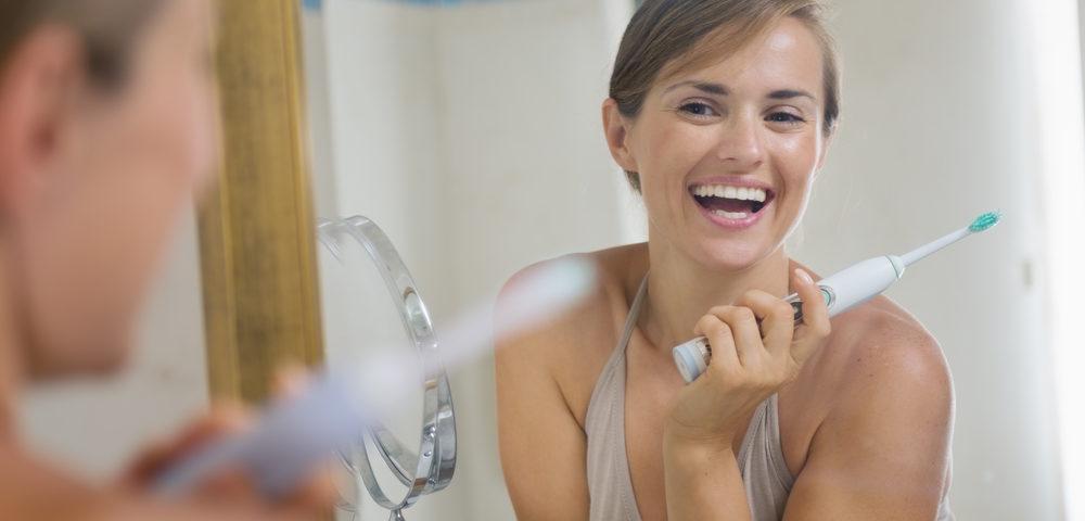 La brosse à dents électrique réduit la gingivite