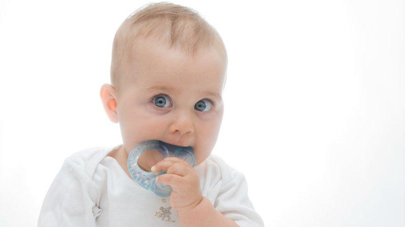 Quel anneau de dentition sain choisir pour votre bébé ?