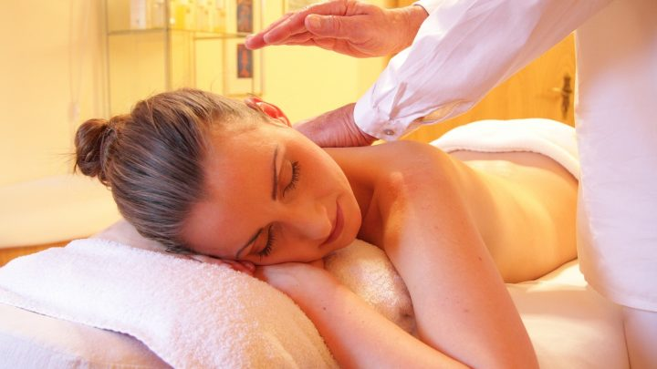 Le massage pour éliminer les tensions musculaires et évacuer le stress